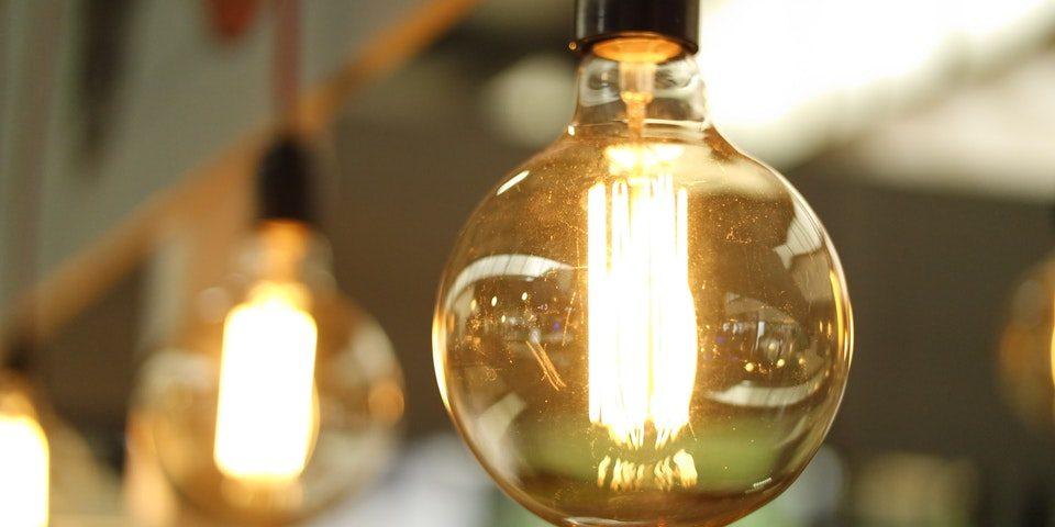 Mniejsze rachunki za prąd w firmie