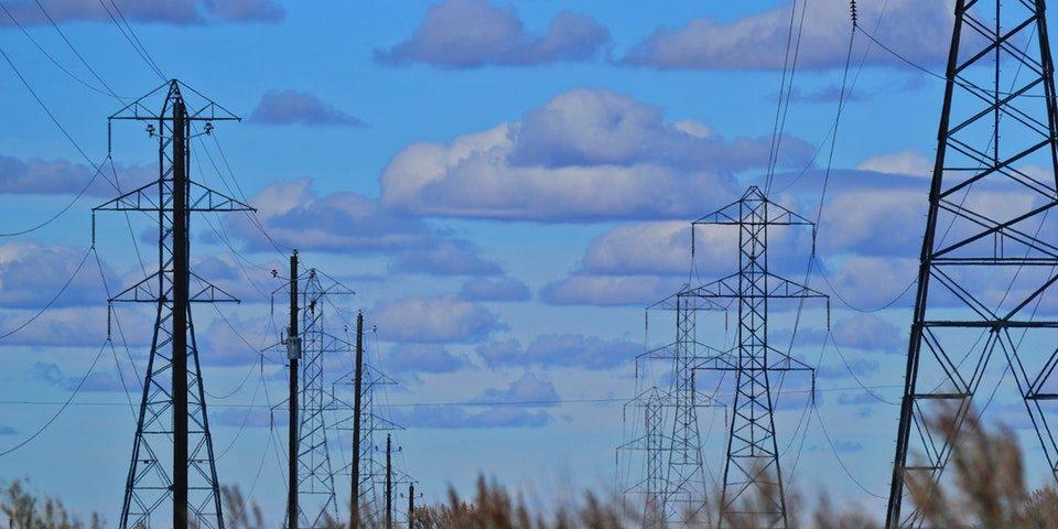 Jak zmienić dostawcę prądu – cenne wskazówki